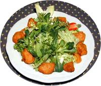 Pouletflügeli mit Salat